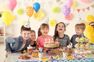 10 things that ALWAYS happen at our kids birthday parties