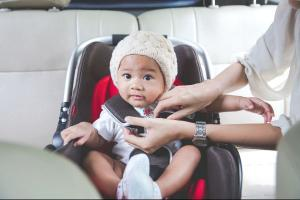 Buying a new car, mums? Heres 5 top family car tips to think about