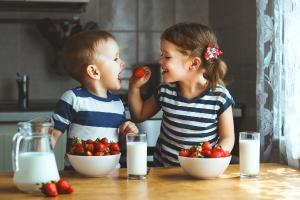 How to encourage your children to be happy feeders