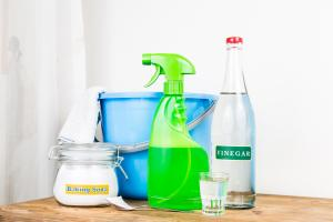 No chemicals here! This DIY cleaning spray is a house essential