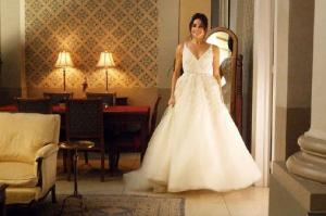 Meghan Markle leaves TV series Suits in a wedding dress