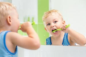 Wait, what?! This childs toothbrush hack has just blown our minds