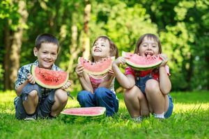 6 ways to keep the family eating well during the summer holidays