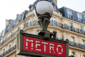 Baby born on a Paris metro gets free travel pass until 25