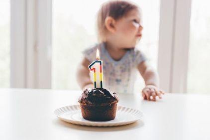 Mums decision to ban her kids from eating birthday cake divides parents