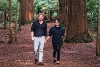 Prince Harry snaps stunning photo of Meghan cradling baby bump