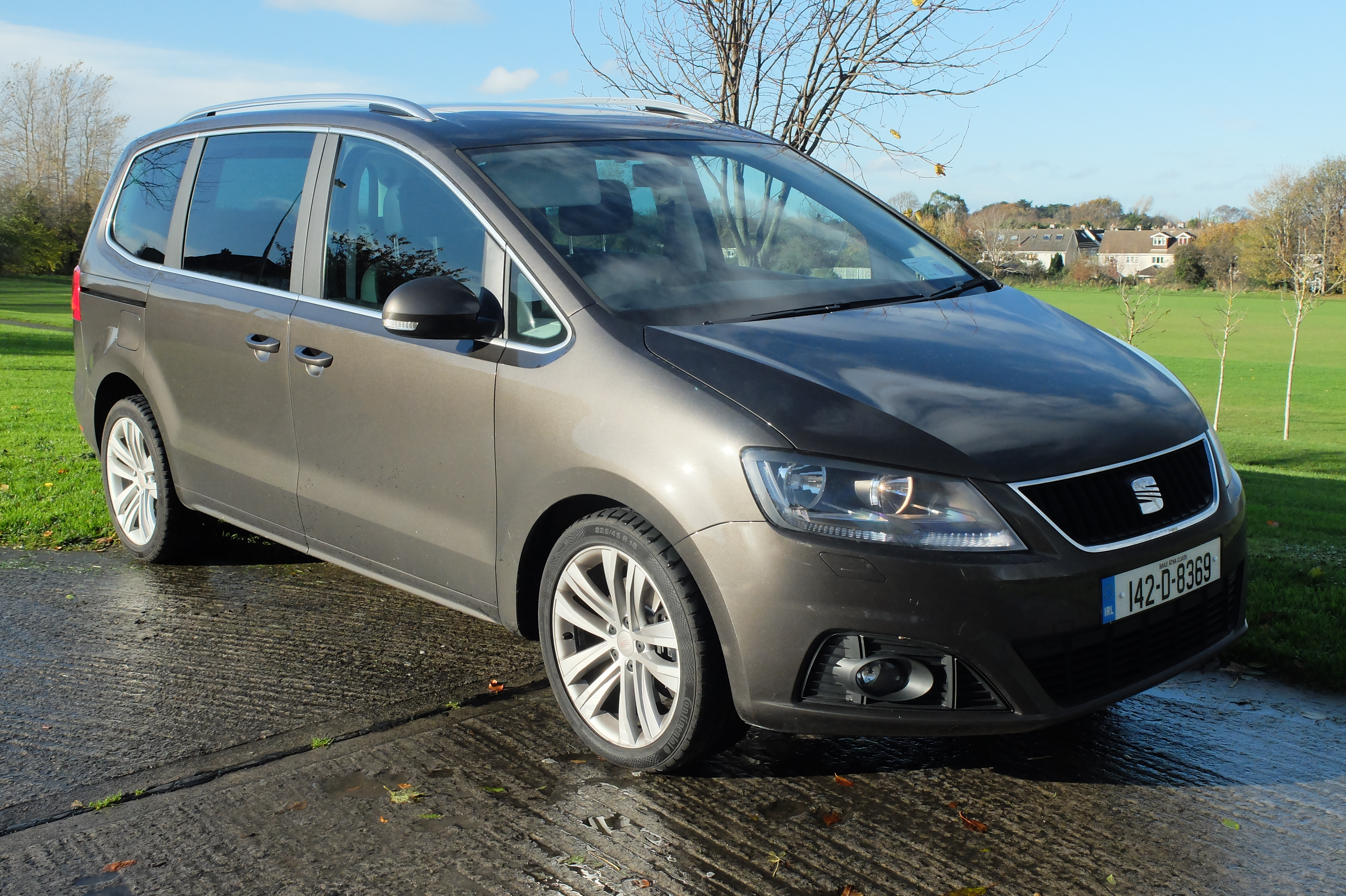 family car review seat alhambra 2 0 diesel automatic. Black Bedroom Furniture Sets. Home Design Ideas
