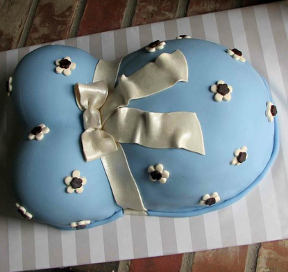 10 Amazing Baby Shower Cakes