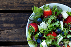 Rocket salad with mixed berries