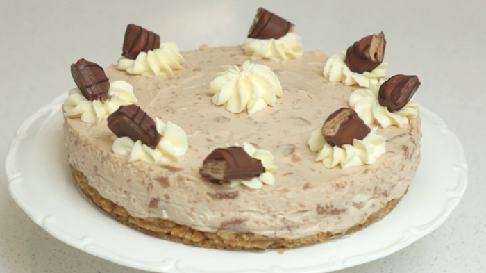 Très Kinder Bueno Cheesecake | MummyPages.MummyPages.ie NN13