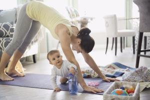 Get fit from home: 4 amazing online personal trainers for time-starved mums