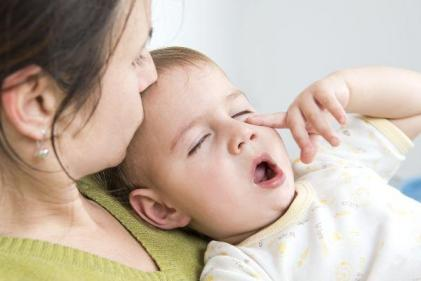 Soothing babies and toddlers with colds or flu – tips and advice