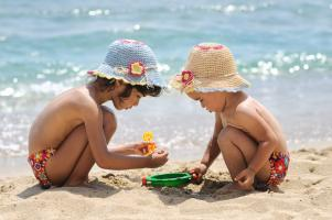 Turns out family holidays make your child happier... and smarter!