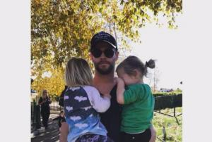 #DADGOALS: 10 pictures of Chris Hemsworth that have us swooning