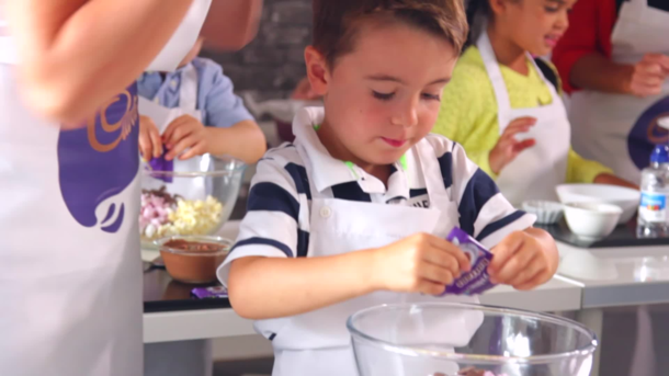 MummyPages baking class with Cadbury Dairy Milk Buttons
