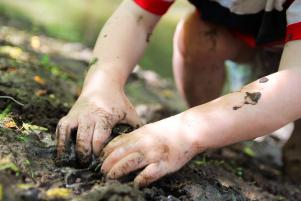 Fun alert: 8 fantastically messy outdoor activities for your kiddos