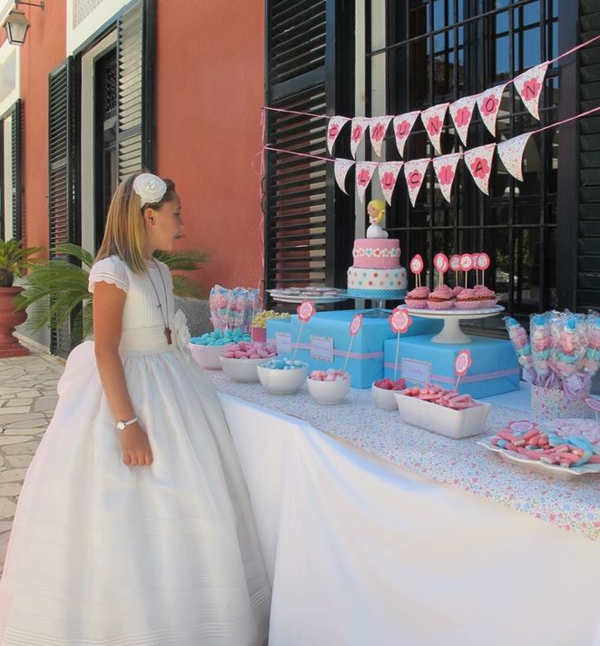 How to plan the perfect Communion or Confirmation party Decoration Table Communion on