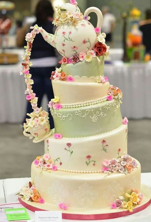 7 of the most INCREDIBLE wedding cakes ever