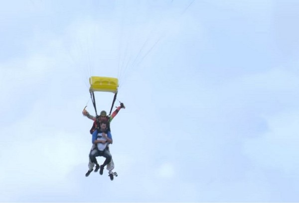 Sex on air parachute